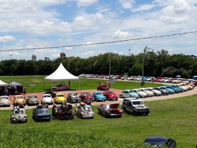 Cedida/ Benedito José Esteves - Organização aguarda em torno de 150 veículos, sendo 100 fuscas e demais carros antigos