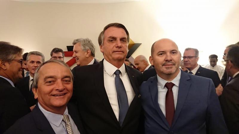 O empresário Gervásio Costa, de Presidente Prudente, e seu Vladimir Piocopi, na comitiva que acompanhou o presidente Jair Bolsonaro à Índia