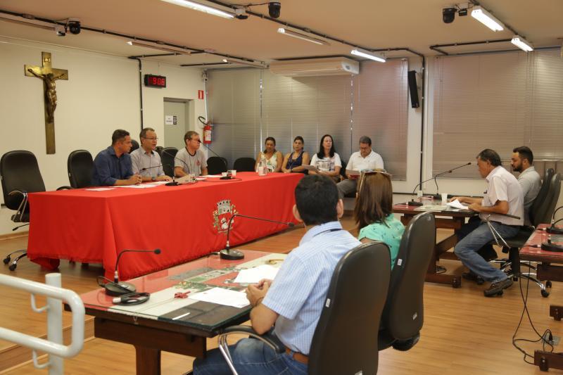 Isadora Crivelli - Autoridades executivas e legislativas participaram da prestação de contas da saúde -