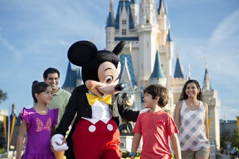 A Disney é, sem dúvidas, um lugar mágico para todas as crianças, mas viajar com elas requer alguns cuidados especiais