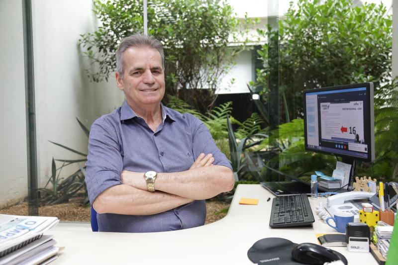 Weverson Nascimento - Cavalcante trabalhou em diferentes empresas, foi professor universitário e no Sebrae passou por diferentes funções