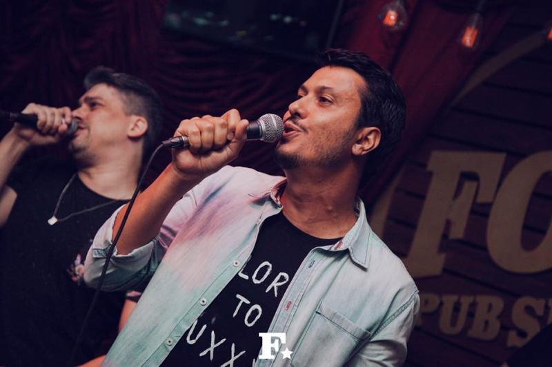 Foto: Rodrigo Castelhano -A dupla sertaneja João Marcelo & Juliano balançou o Folks Pub no último fim de semana