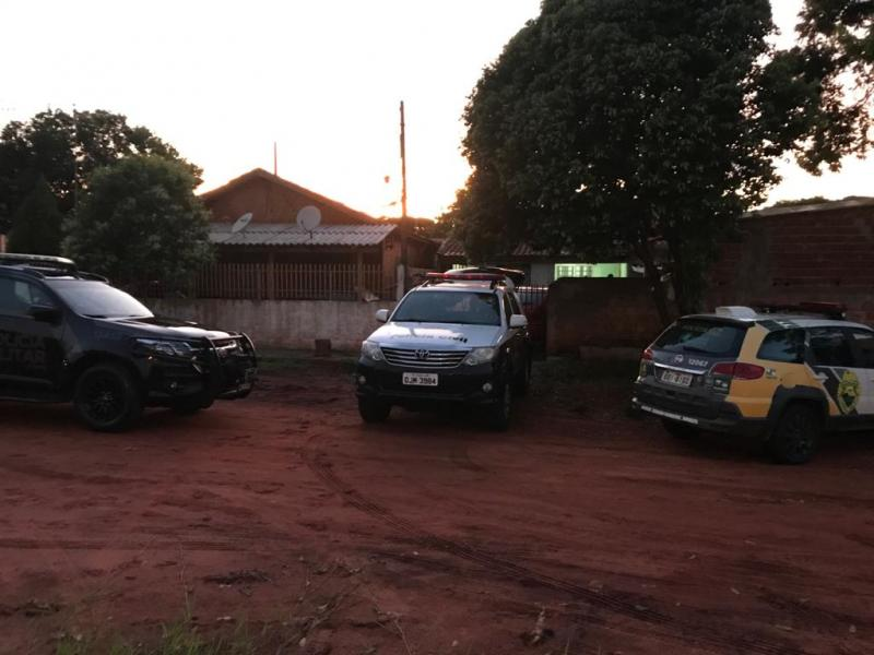 Polícia Civil - Veículo recuperado seria entregue no Paraguai