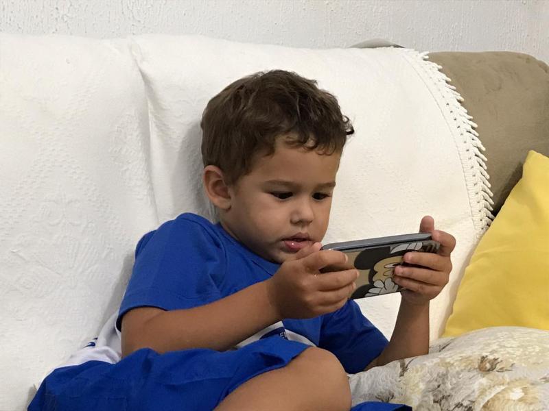 Arquivo Pessoal - Escolher o que seus filhos vão consumir na televisão ou em seus celulares exige conhecimento do conteúdo