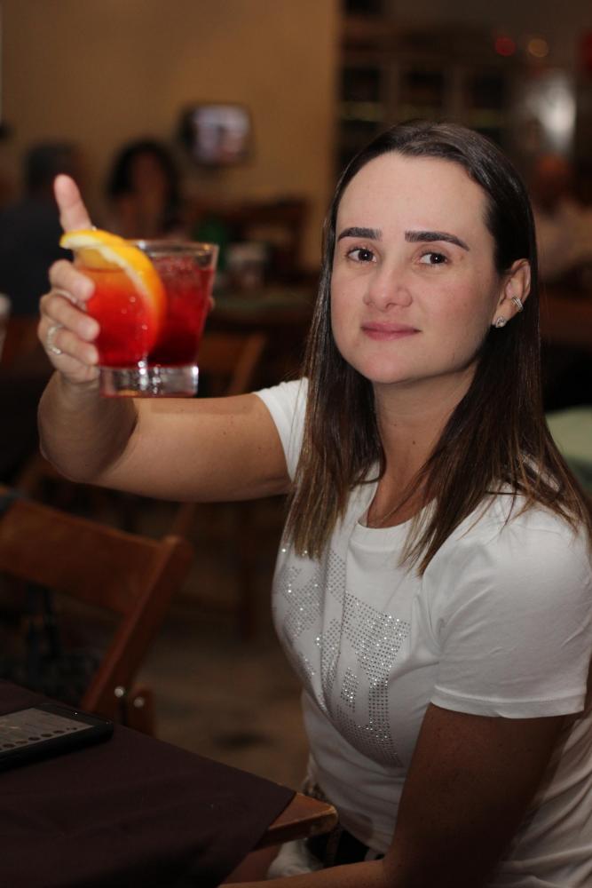 Fotos: Miguel Toninato - Tete Rissi uma das organizadoras do Brasa & Viola no Casimiro Bar.B.Q.