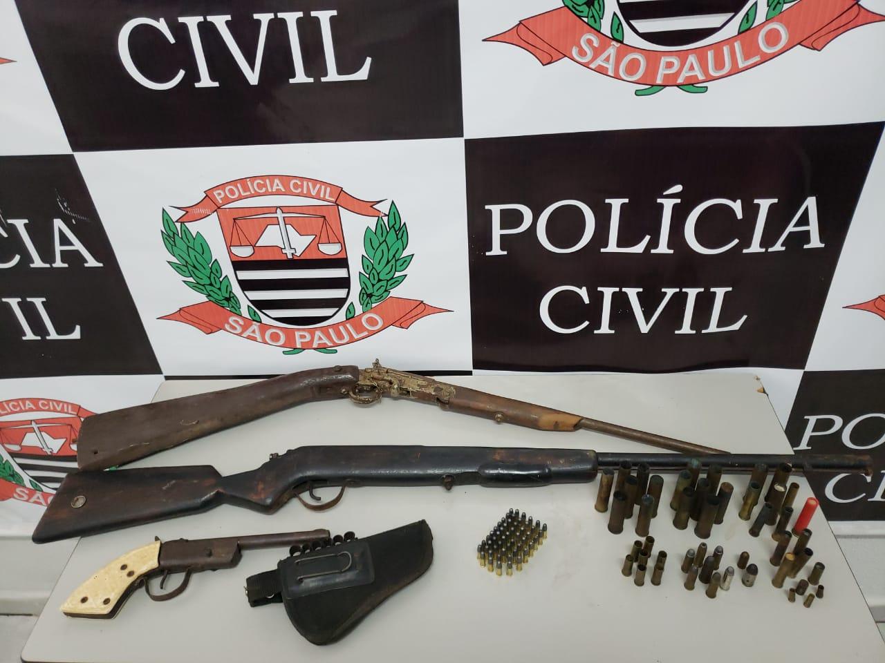 Foto: Polícia Civil – Houve ainda a apreensão de armas de fogo e munições