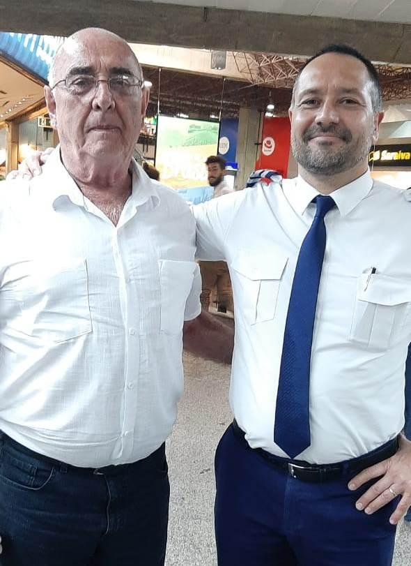 Nivaldo Caobianco teve uma grata surpresa, encontrou o filho Henrique Caobianco, que é piloto da Latam, e acabava de chegar de um voo.