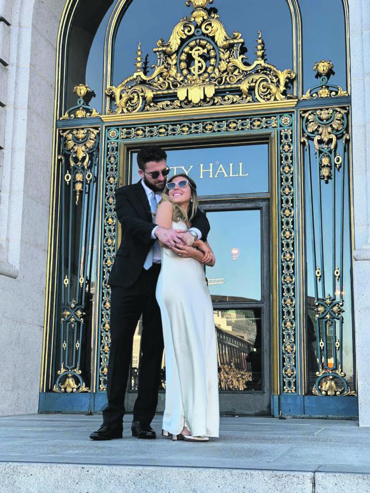 A prudentina Maria Occarina e o empresário americano Jake Guernsey, em seu casamento, sábado, em San Francisco, na Califórnia
