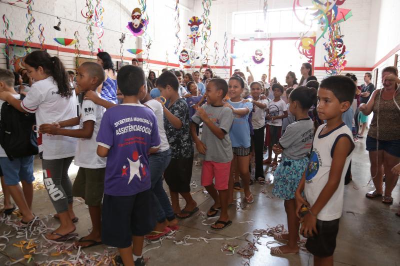 Fotos: Weverson Nascimento - Marchinhas de carnaval animaram crianças, jovens e adultos no Matarazzo Folia