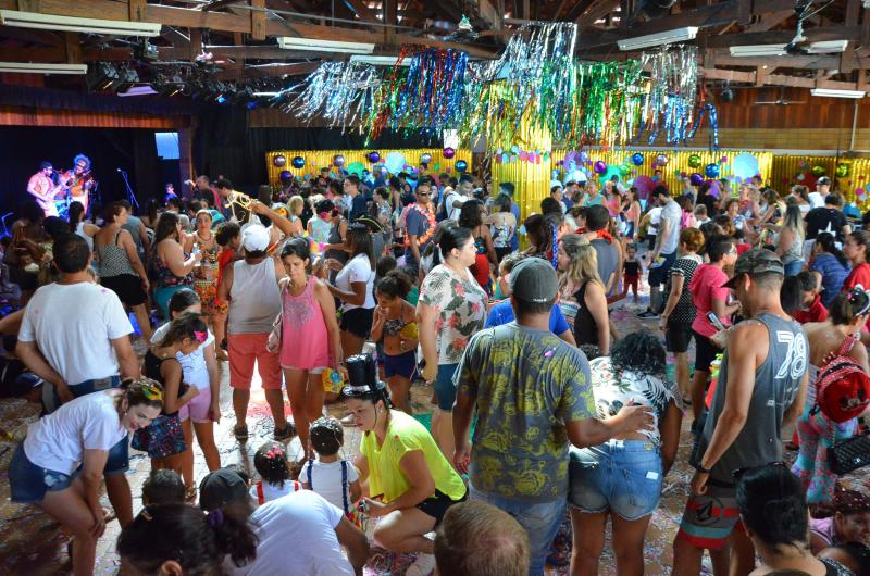 Foto: Estevão Salomão - Quatro dias de festa carnavalesca gratuita com atividades para todos os gostos e idades