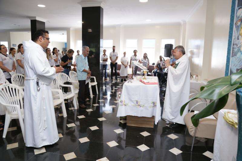 Weverson Nascimento - Missas em ação de graças comemoraram o aniversário das unidades de saúde