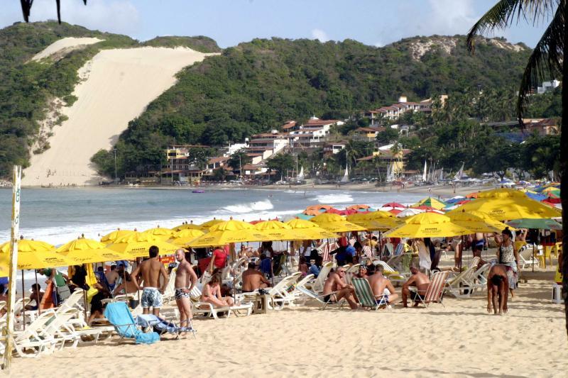 Foto: Maxwell Oliveira –A Praia de Ponta Negra, de onde se pode avistar o Morro do Careca, uma referência de Natal