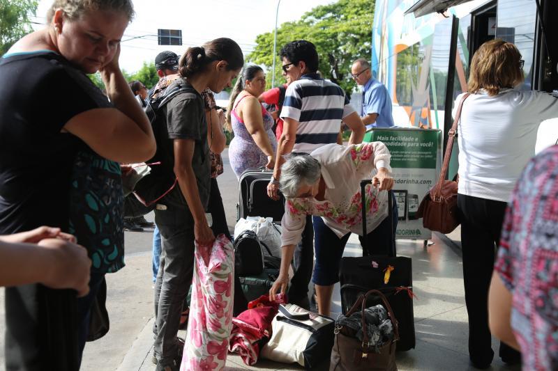 Gabriel Buosi - Administração estima passagem de 14,5 mil pessoas na rodoviária nos quatro dias