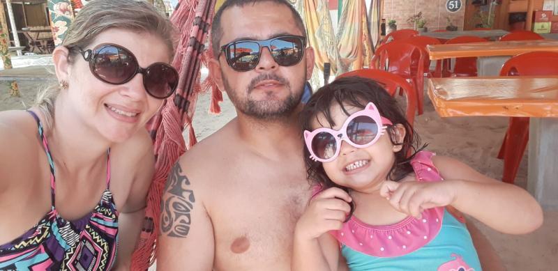 Paula, Leandro e Heloisa Gonçalves, de férias em Porto Seguro, com Cacilda Tour