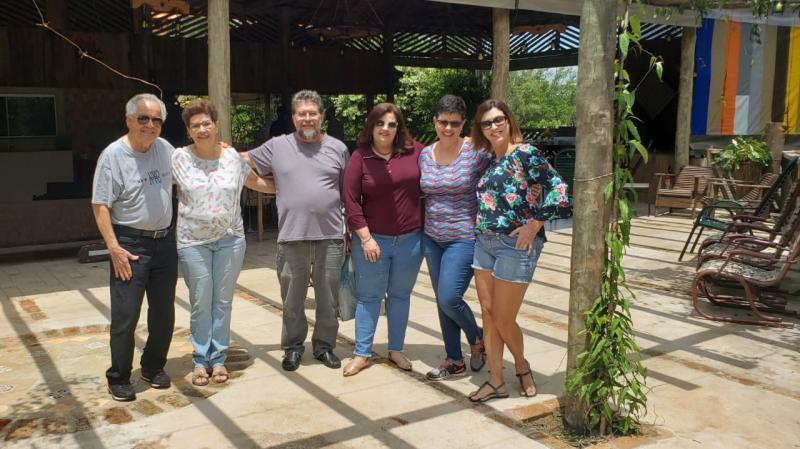 """Foto: Cedida - Jornalista Altino Correia e família no """"ReCanto"""", casa rural em Regente Feijó"""