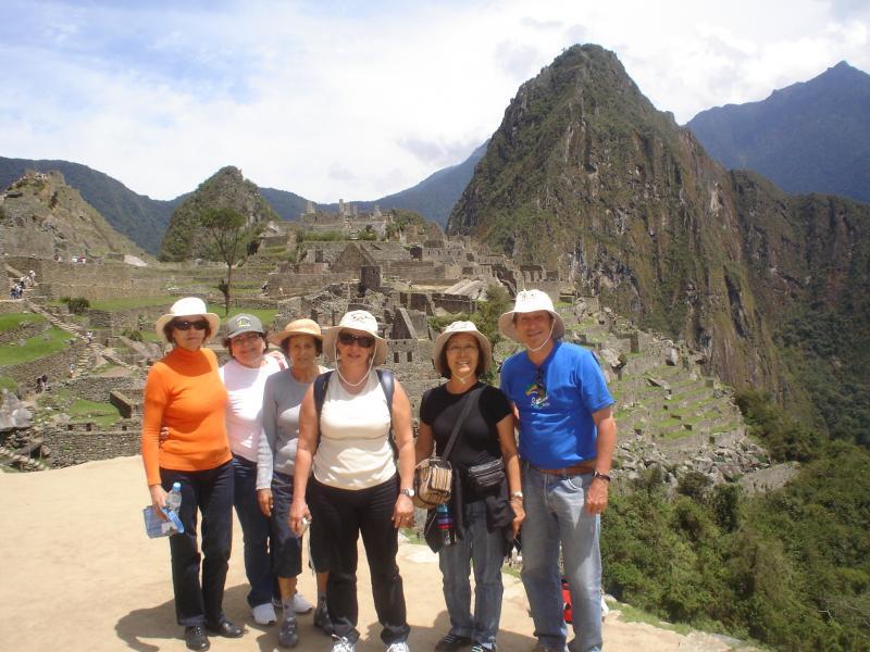 Parte do grupo que esteve na última excursão ao Machu Picchu pela por Balbino Tur