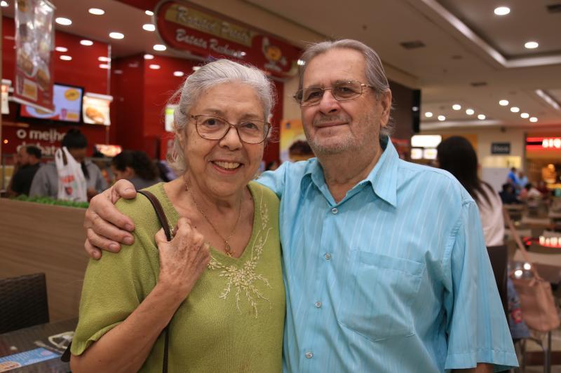 Isadora Crivelli:Flávio Cezário e a esposa, Dorothy: expressiva contribuição em vários setores da cidade