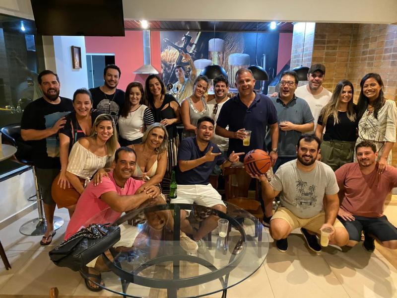 Miguel Toninato - Fernando Benvenho Lacerda reuniu a turma do basquete e amigos para comemorar seu aniversário no Porto Madero