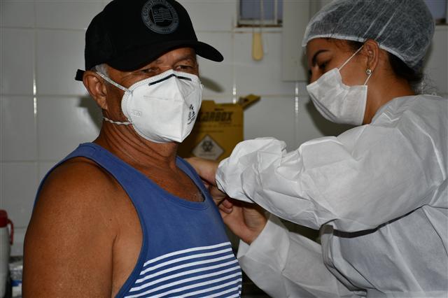 Marcos Sanches/Secom: Prefeitura de Prudente - Primeiro público a receber as doses são idosos e trabalhadores da saúde