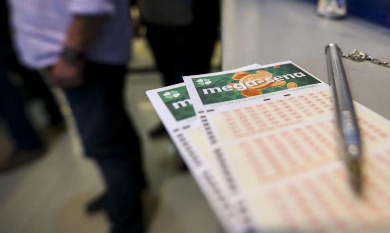 Marcelo Camargo/Agência Brasil: No caso da Loteria Federal, a suspensão é por 3 meses, a partir da extração 5478-0.