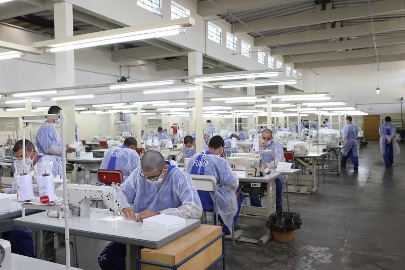 SAP - As fábricas tiveram seu parque fabril adaptado para a confecção das máscaras