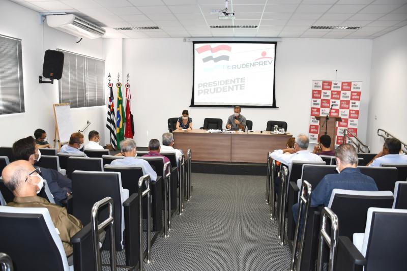 Secom - Bugalho esteve reunido hoje com lideranças do comércio e deputados estaduais