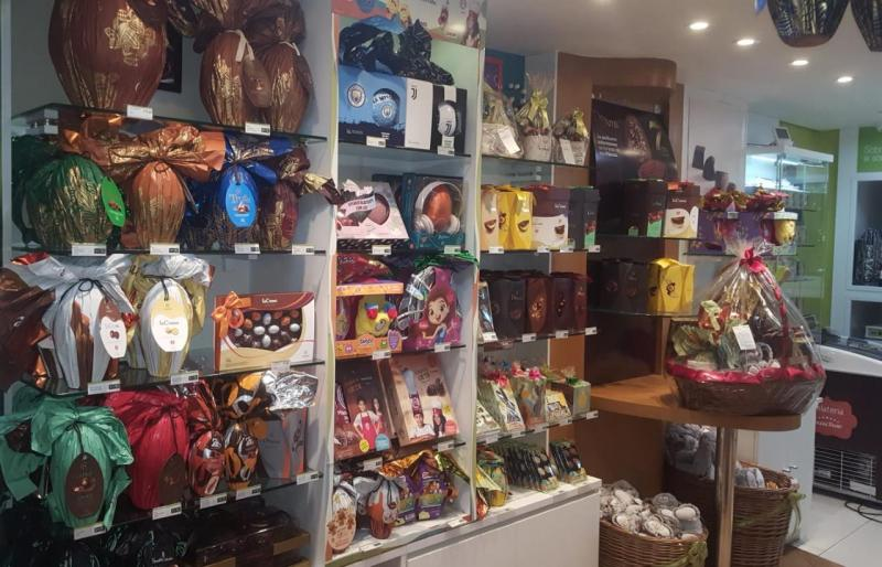 Cedida - Cacau Show atende clientes mediante agendamento e também faz entregas em domicílio