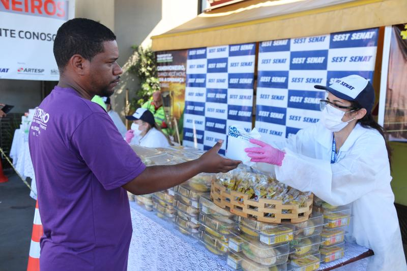 Weverson Nascimento - Caminhoneiro receberá gratuitamente um kit com alimentos saudáveis