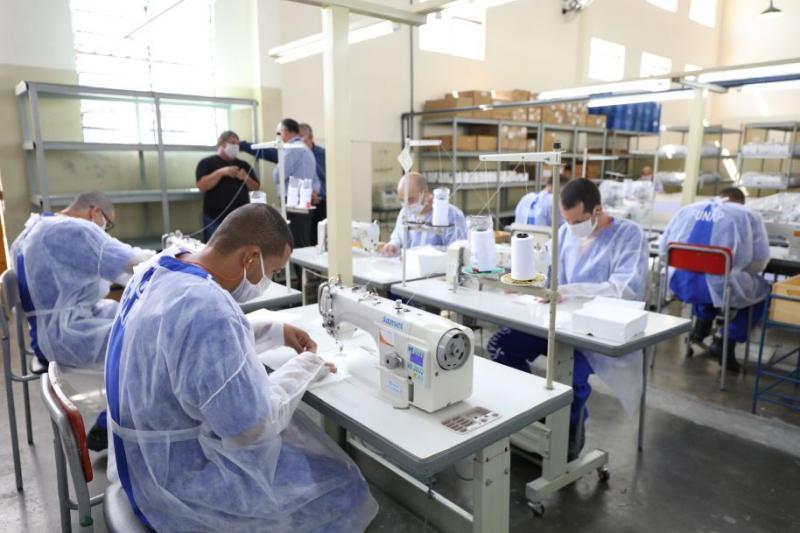 SAP - Para cada três dias de trabalho, o presidiário reduz um dia de pena