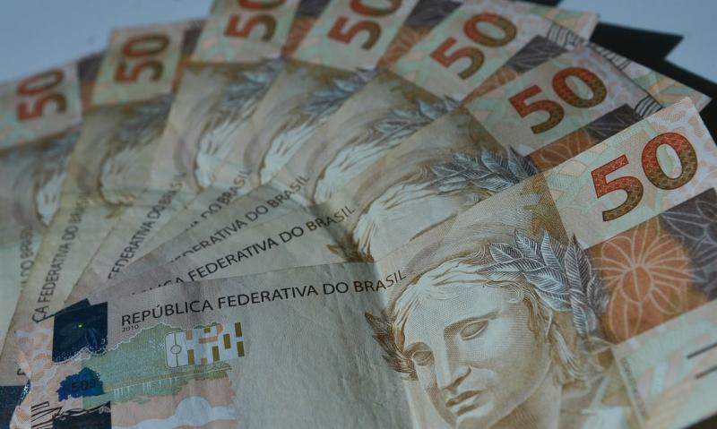Agência Brasil - No máximo, duas pessoas por família poderão receber o auxílio emergencial de R$ 600