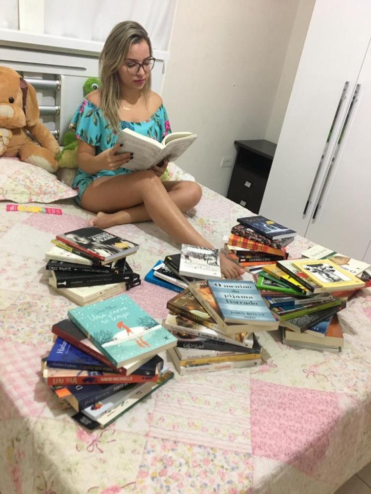 Cedida:Apaixonada por leitura, Letícia termina um livro e já engata em outro