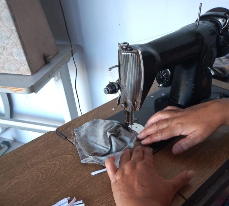 Cedida - Costureiras sentem falta de matéria-prima para produção das máscaras