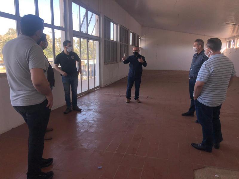 Cedida - Representantes de entidades prudentinas visitaram o Recinto de Exposições na quarta-feira