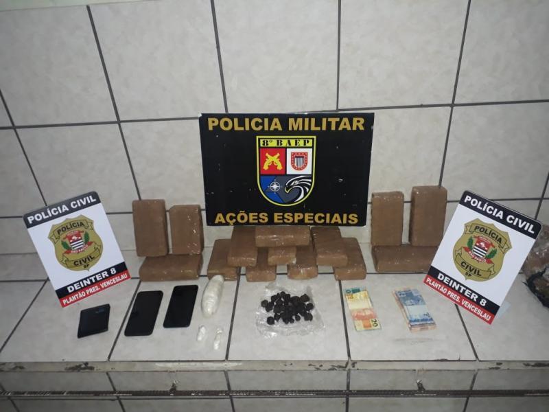 Polícia Militar - Aparelhos celulares também foram apreendidos na operação