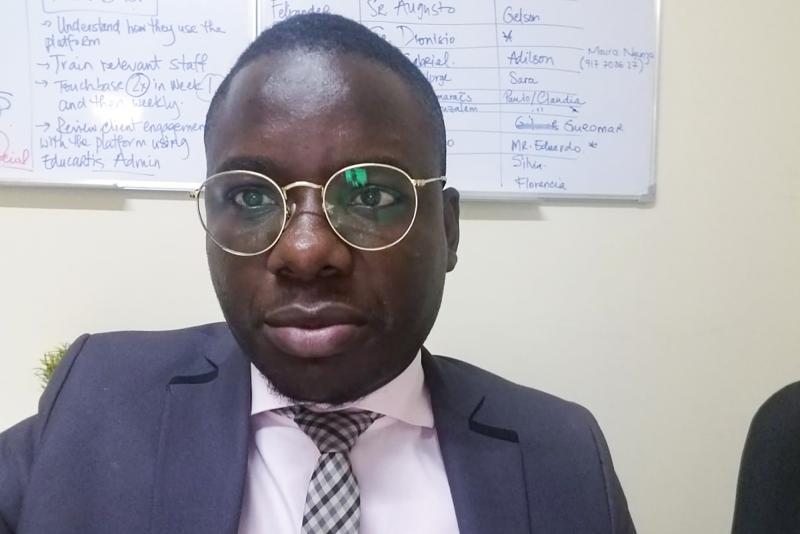 Evandro Campos Fernando é analista de migração do Ministério do Exterior e mora em Luanda, a capital de Angola