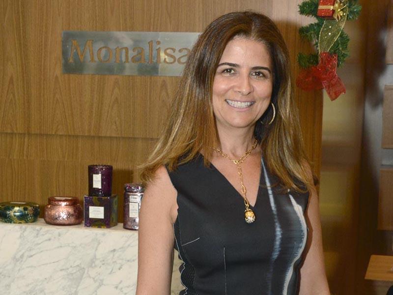 ANFITRIÃ Carla Zamora apresentou lançamentos da Monalisa Joias do Prudenshopping Foto: Elisabete Santos