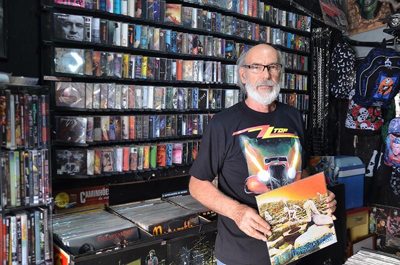 Foto: Estevão Salomão, Conforme Eugênio, o arquivo digital passou a ser a grande novidade do comércio