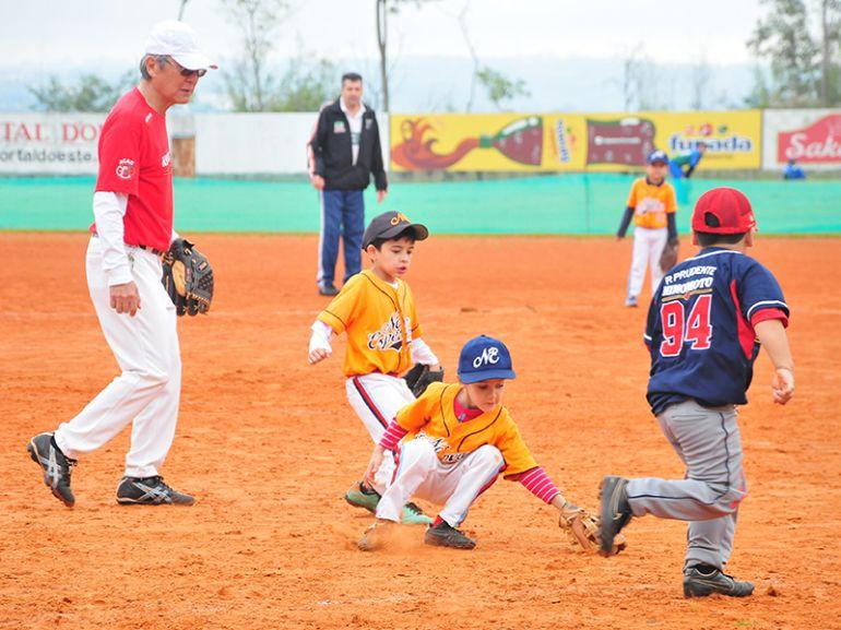 Arquivo, Esporte tradicional em Prudente, beisebol ganha espaço no Sesc Verão hoje e quinta-feira
