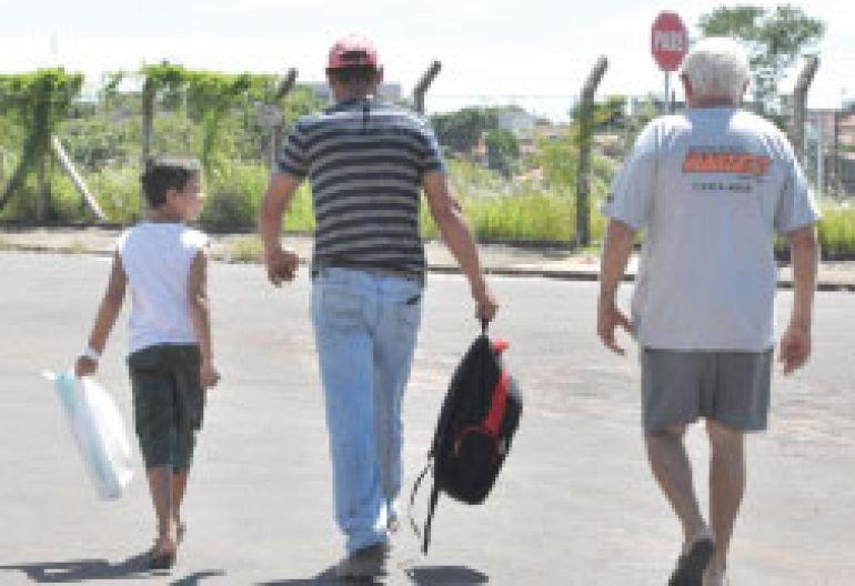 José Reis, Sem ônibus, munícipes têm que ir a pé até pontos do Ana Jacinta