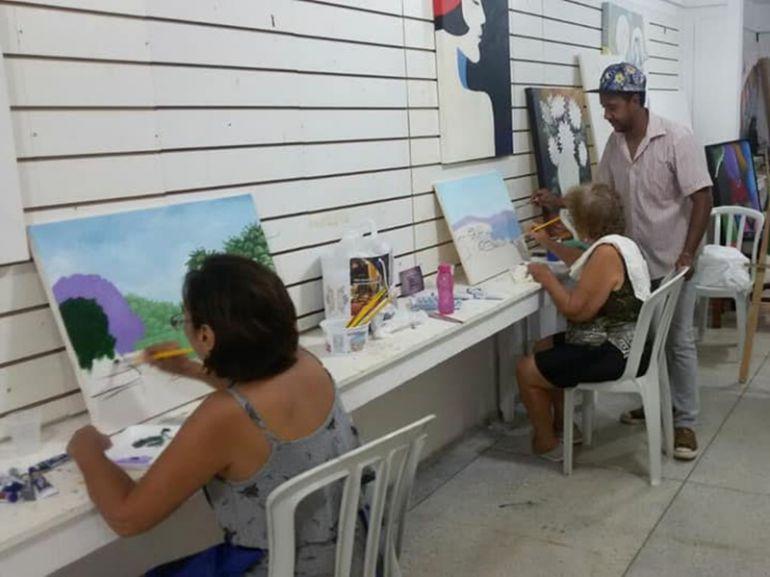 Cedida, Zeka pinta desde os 11 anos, mas foi em 2000 que surgiu o desejo grande de pintar telas