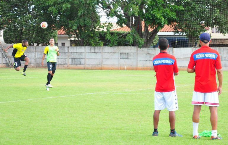 Azulão e Grêmio escondem equipes uma semana antes da competição