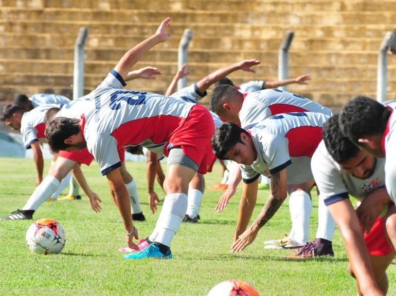 Marcio Oliveira - Jogadores e comissão técnica fizeram uma oração antes do início do primeiro treino