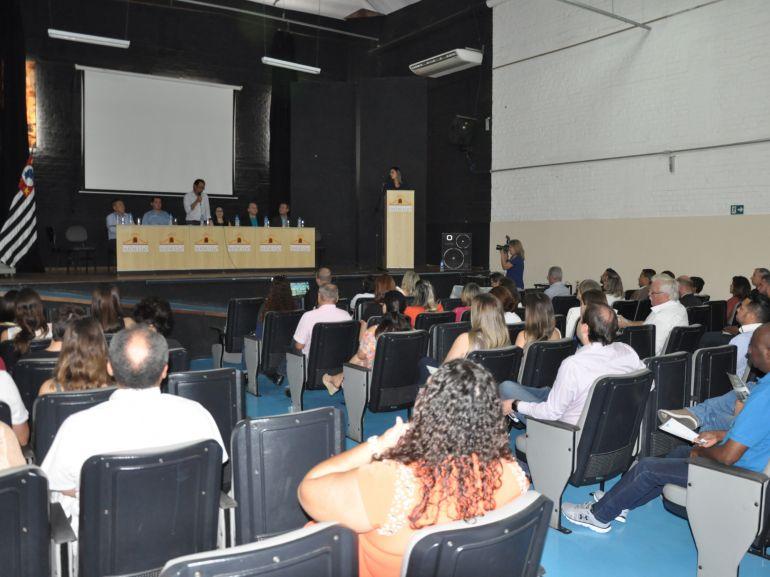 José Reis - Lançamento de cartilha reuniu ontem autoridades e pacientes