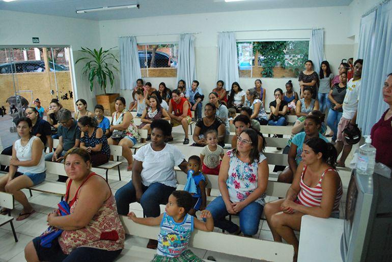 Prefeitura de Pirapozinho -Escola do Parque Residencial Natal Marrafon recebeu orientações de enfermeiras na quinta