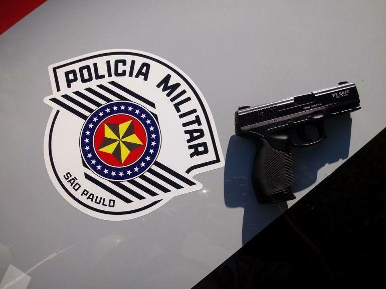 Polícia Militar - Material foi localizado no interior da mochila do estudante
