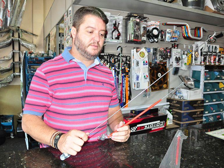 """Davi: """"Quem mais compra são as empresas que dependem de motociclistas para o serviço"""""""