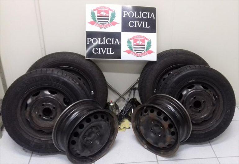 Polícia Civil - Pneus furtados em ruas da cidade foram devolvidos às vítimas