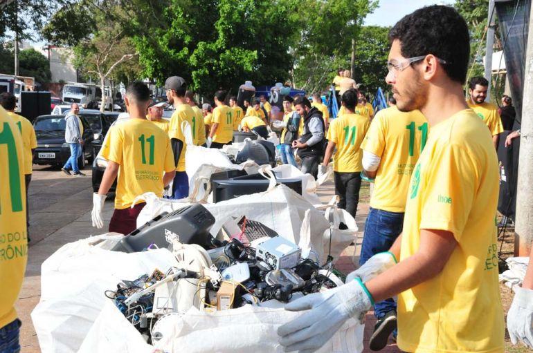 Arquivo - Materiais arrecadados em dois dias estão sendo enviados para empresa de Cerqueira César (SP)