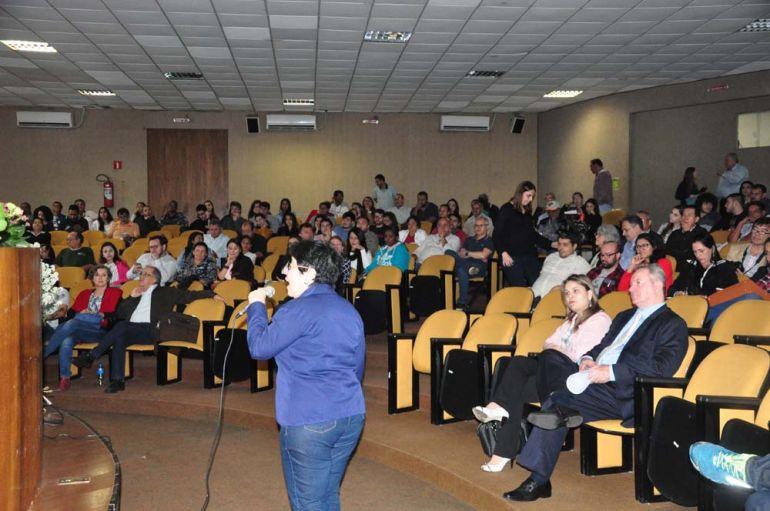 José Reis - Tema foi abordado por diversos profissionais do assunto, que falaram sobre as realidades dentro e fora do país