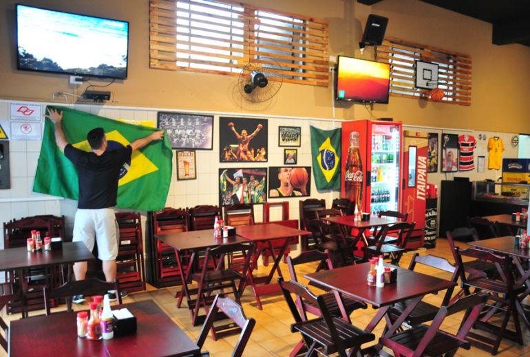 Marcio Oliveira - House Sports Bar mudou o horário de funcionamento para os jogos